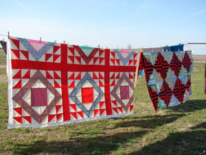 quilts-on-clothesline